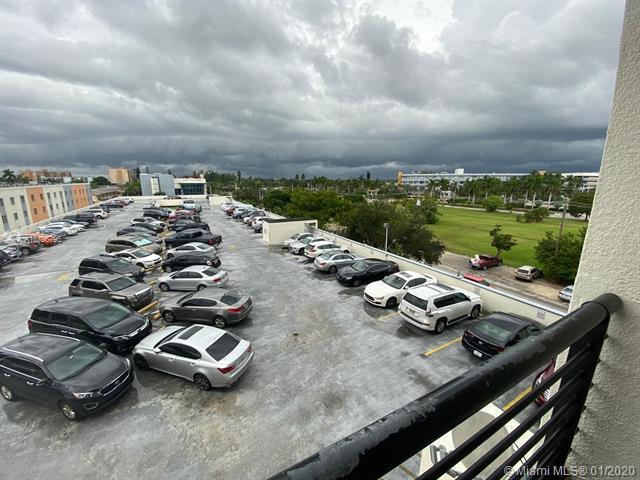 12550 Biscayne Blvd North Miami, FL 33181 - alt image 3