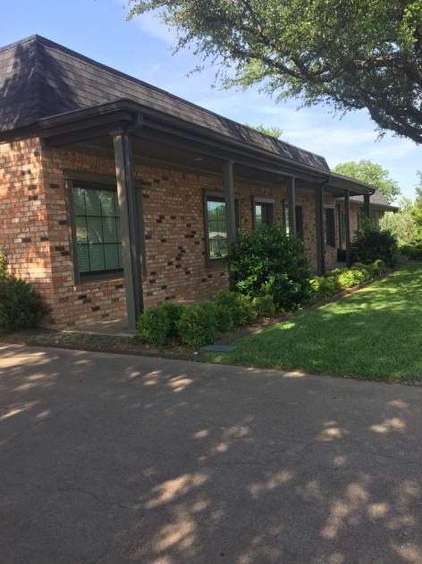 726 Dalworth St Grand Prairie, TX 75050 - alt image 2