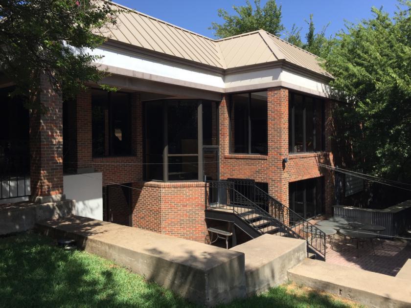 2461 Forest Park Blvd Fort Worth, TX 76110 - alt image 3