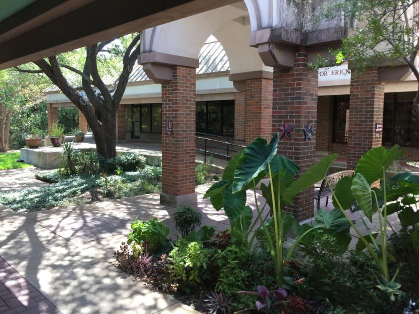 2461 Forest Park Blvd Fort Worth, TX 76110 - alt image 7