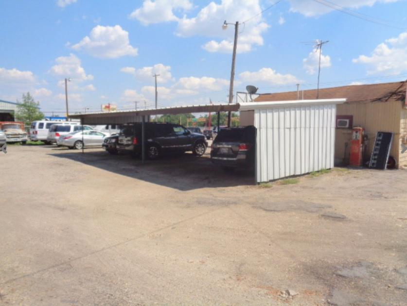 NE 28th St Fort Worth, TX 76111 - alt image 4