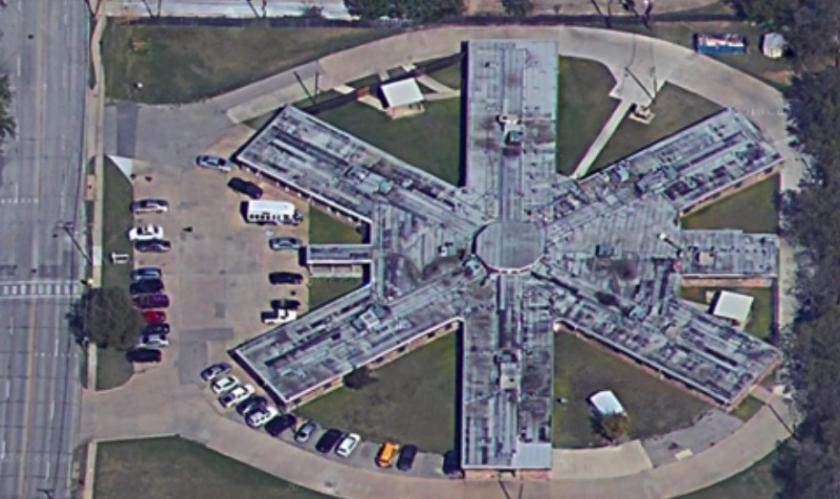 658 SW 3rd St Grand Prairie, TX 75051 - alt image 2