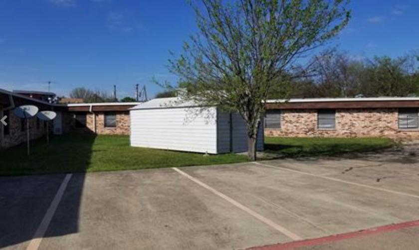 658 SW 3rd St Grand Prairie, TX 75051 - alt image 3