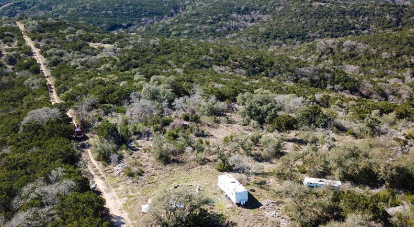 2410 Mountain Creek Rd Pipe Creek, TX 78063 - alt image 3