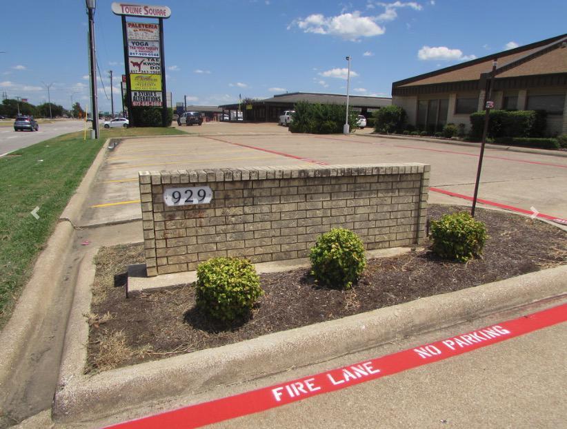 929 W Pioneer Pkwy Grand Prairie, TX 75051 - alt image 2