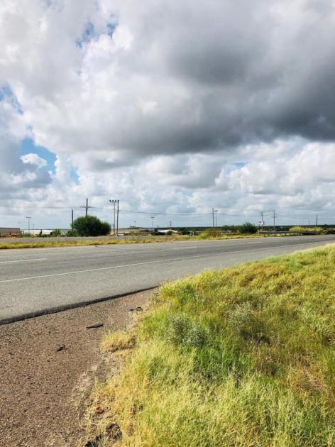 1472 Mines Road Laredo TX USA Laredo, TX 78045 - alt image 2