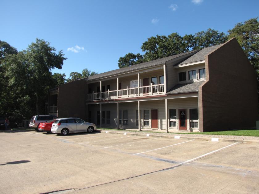 1722 Broadmoor Drive Bryan, TX 77802 - alt image 3
