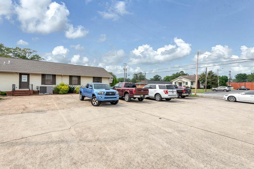 105 West 2nd Street Tuscumbia, AL 35674 - alt image 23