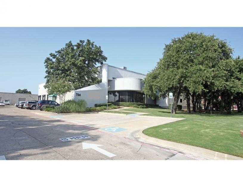 734 North Carrier Parkway Grand Prairie, TX 75050 - main image