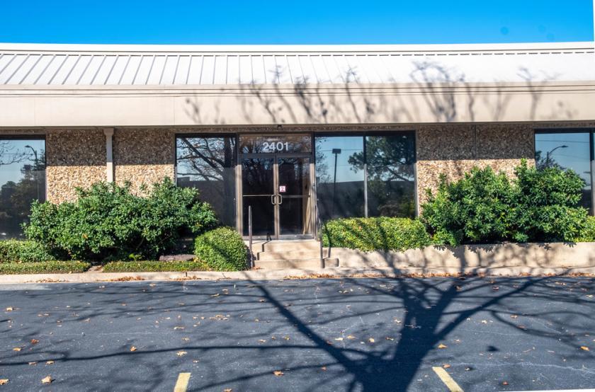 1221 Corporate Drive East Arlington, TX 76006 - main image