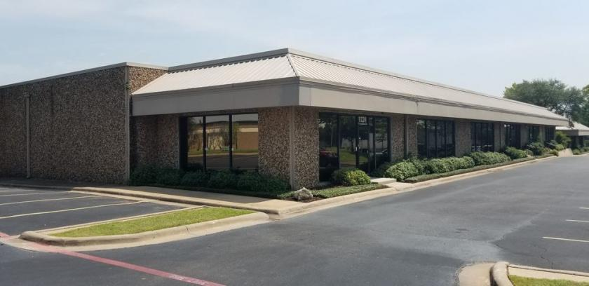 1220 Corporate Drive West Arlington, TX 76006 - main image