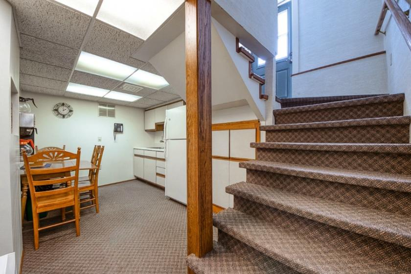 1040 Carpenter Avenue Iron Mountain, MI 49801 - alt image 8