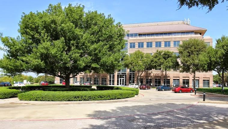 701 Highlander Boulevard Arlington, TX 76015 - main image