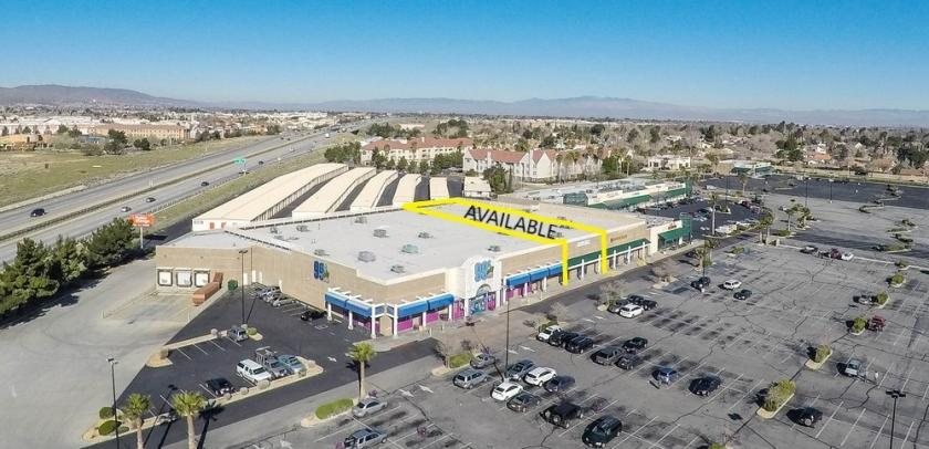 442 West Rancho Vista Boulevard Palmdale, CA 93551 - alt image 2