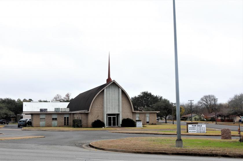 121 South College Street La Grange, TX 78945 - main image