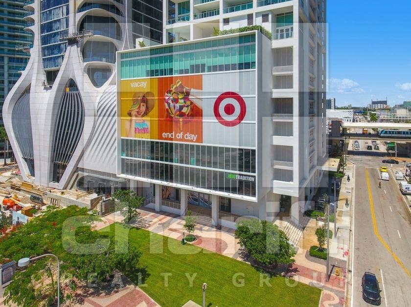 1040 Biscayne Boulevard Miami, FL 33132 - main image