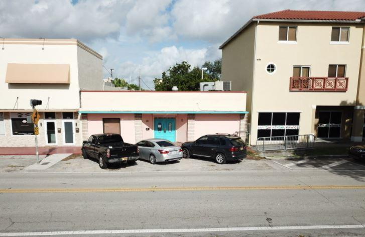365 North Royal Poinciana Boulevard Miami Springs, FL 33166 - main image