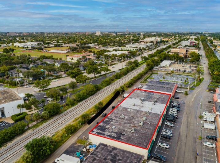 5149 Northeast 12th Avenue Oakland Park, FL 33334 - alt image 4