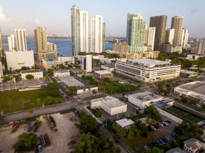 2140 Northeast 2nd Avenue Miami, FL 33137 - alt image 8