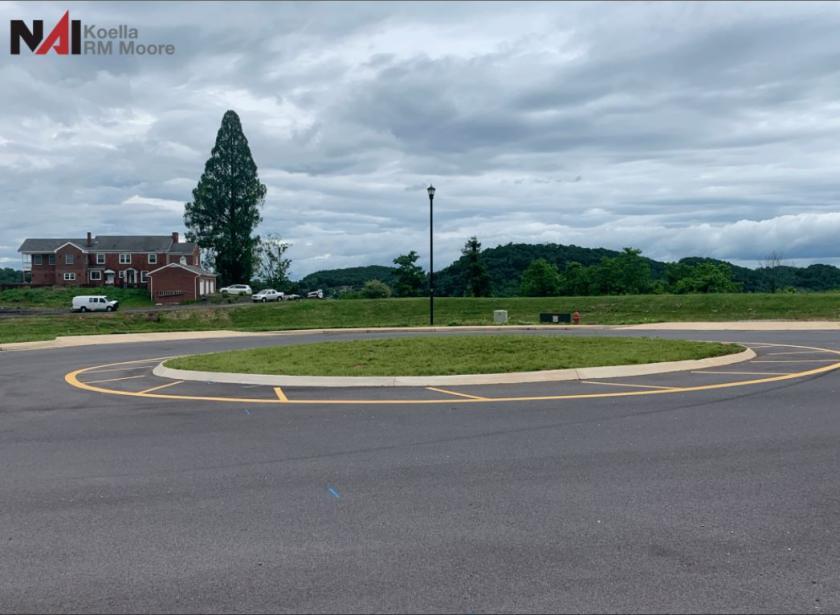 3332 Fort Henry Dr Kingsport, TN 37664 - alt image 2