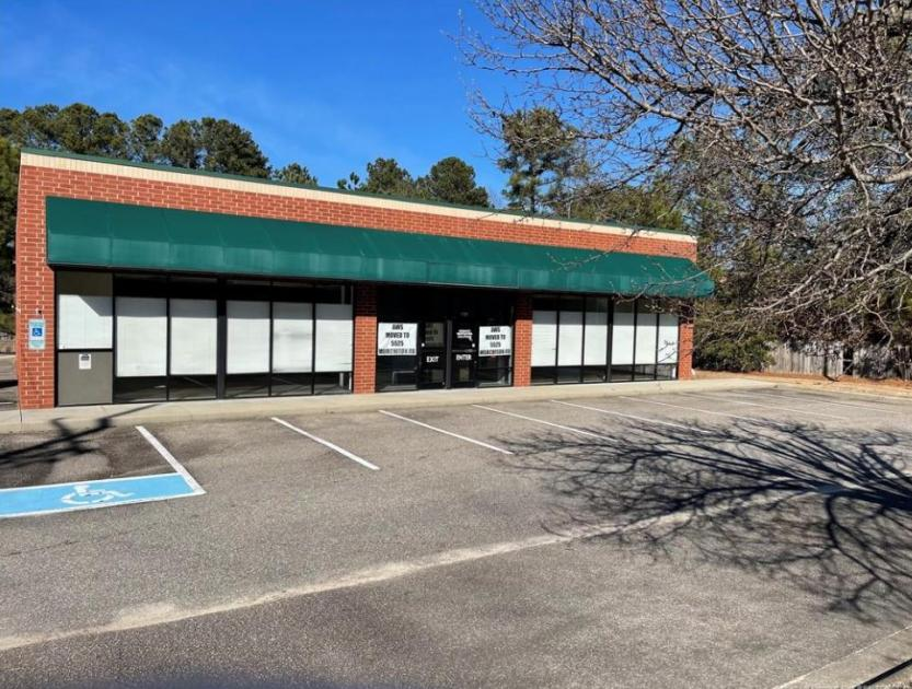 664 Country Club Drive Fayetteville, NC 28301 - main image
