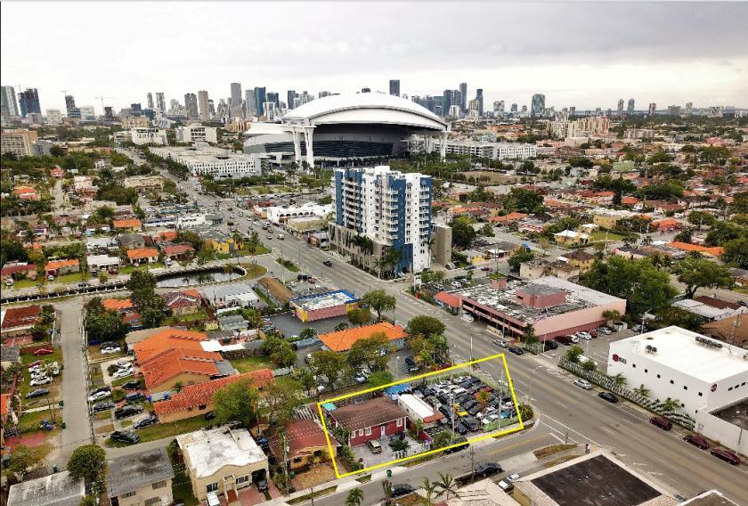 705 Northwest 18th Place Miami, FL 33125 - main image