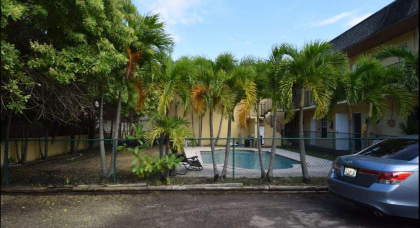 7850 Northeast 10th Avenue Miami, FL 33138 - alt image 3