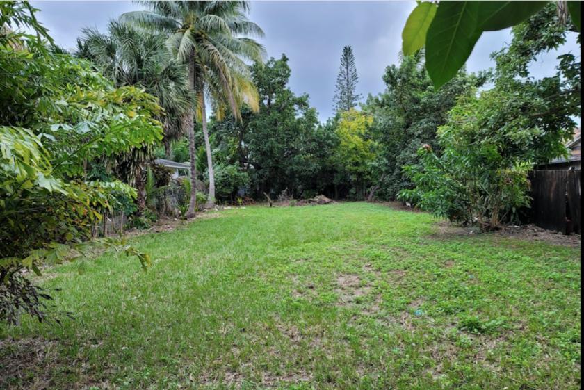 8263 Northeast 1st Avenue Miami, FL 33138 - main image