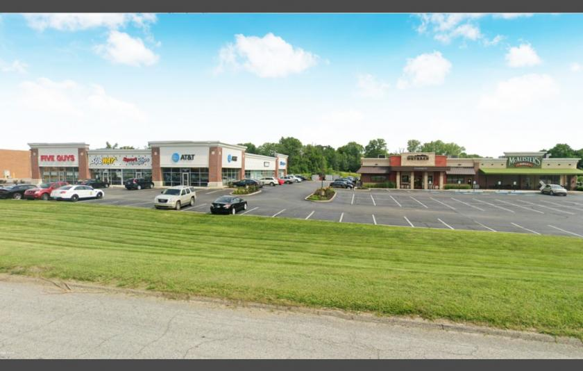 9140 Rockville Road Indianapolis, IN 46234 - main image