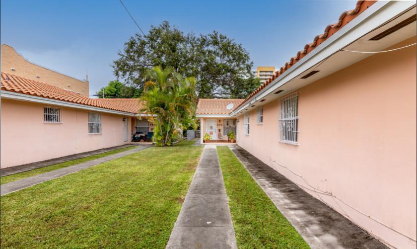 945 Southwest 10th Street Miami, FL 33130 - alt image 2