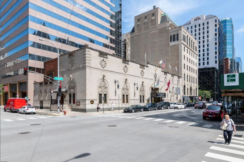 100 East Ontario Street Chicago, IL 60611 - alt image 3