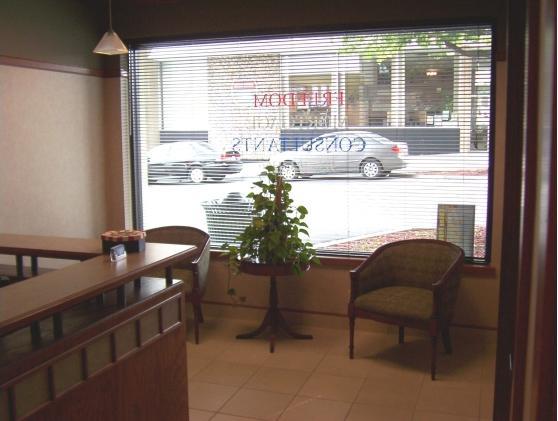 135 Oak Street Bonner Springs, KS 66012 - main image