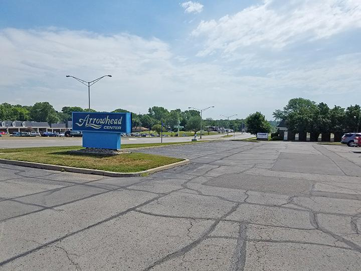 8141 Parallel Parkway Kansas City, KS 66112 - alt image 2