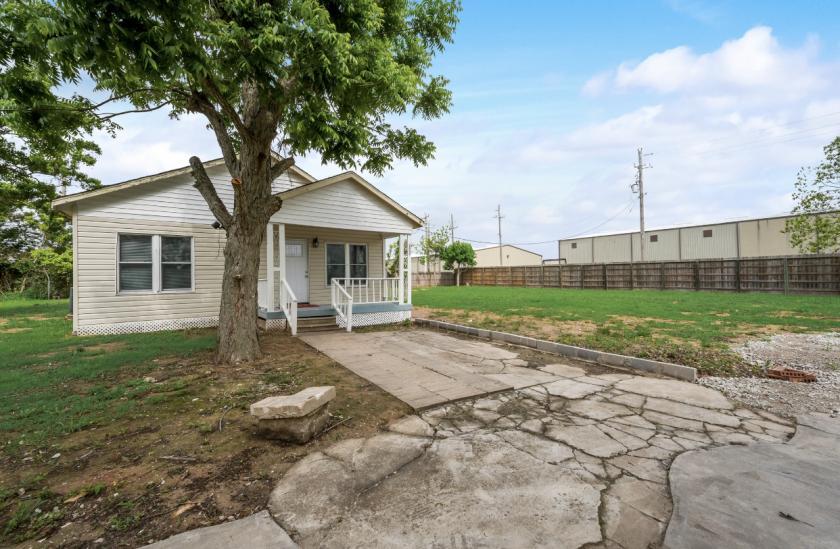 2203 South Gordon Street Alvin, TX 77511 - alt image 5