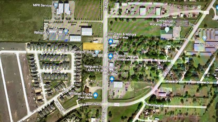 2203 South Gordon Street Alvin, TX 77511 - alt image 4