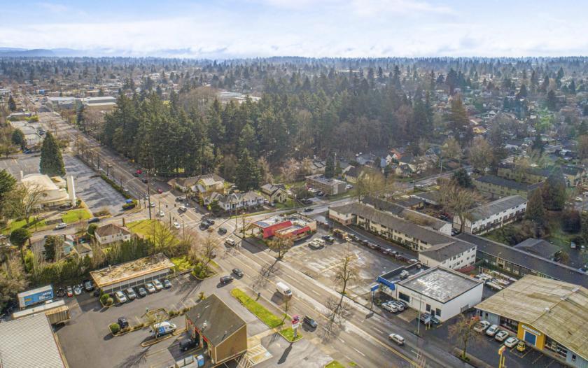4102 Southeast Powell Boulevard Portland, OR 97202 - alt image 2