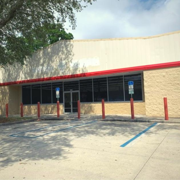 300 North Pace Boulevard Pensacola, FL 32505 - main image