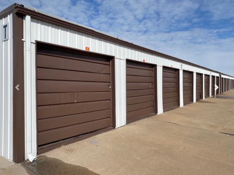 6209 West Kellogg Drive Wichita, KS 67209 - alt image 2