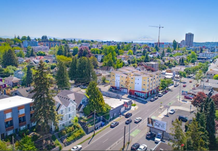 5600 Roosevelt Way Northeast Seattle, WA 98105 - alt image 2
