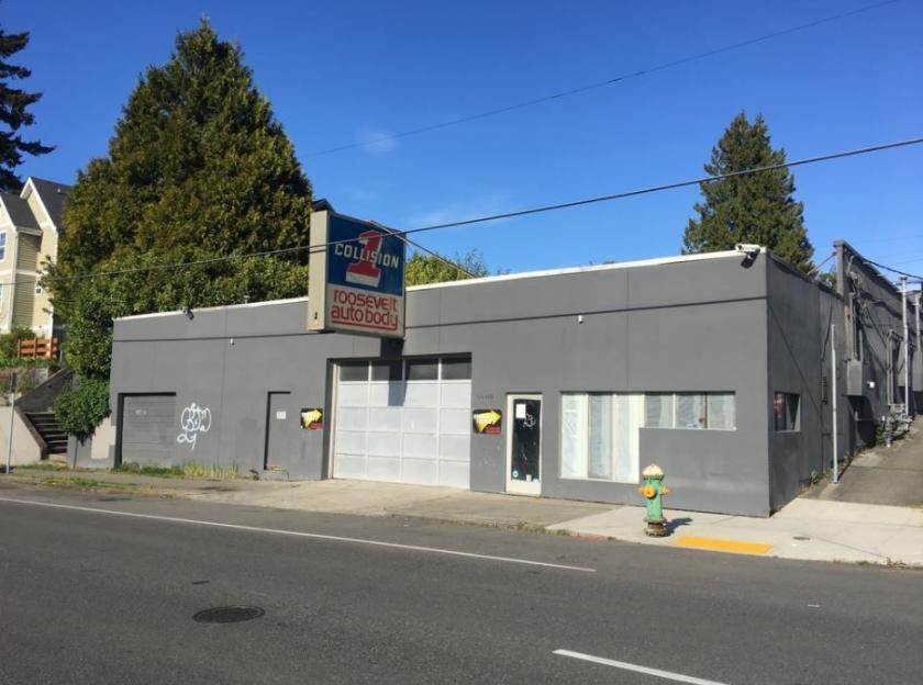 5600 Roosevelt Way Northeast Seattle, WA 98105 - alt image 4