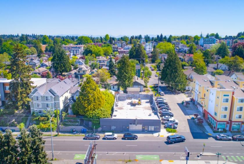 5600 Roosevelt Way Northeast Seattle, WA 98105 - alt image 5