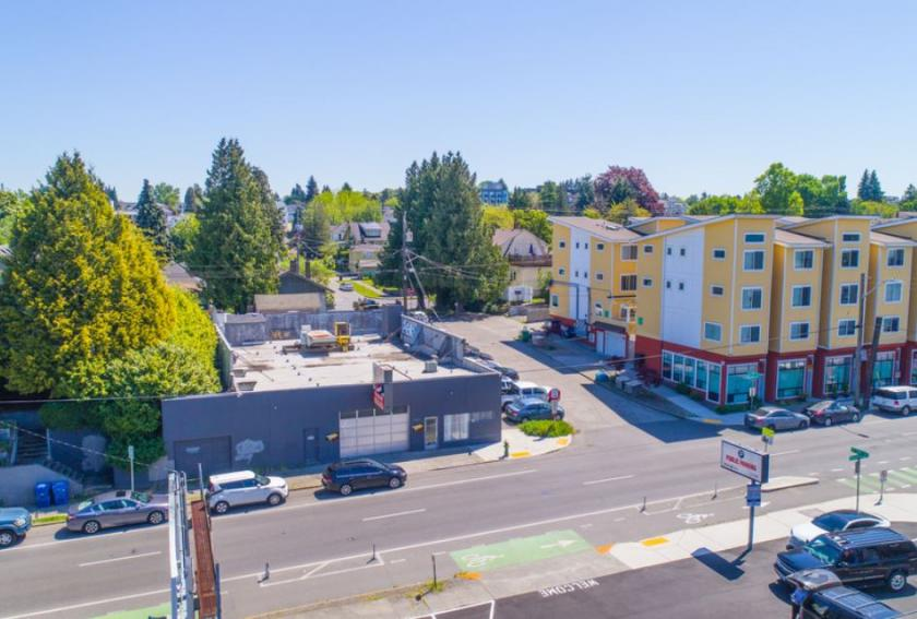 5600 Roosevelt Way Northeast Seattle, WA 98105 - main image