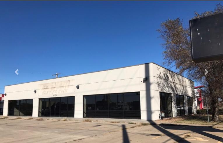 1102 West Pawnee Street Wichita, KS 67213 - main image