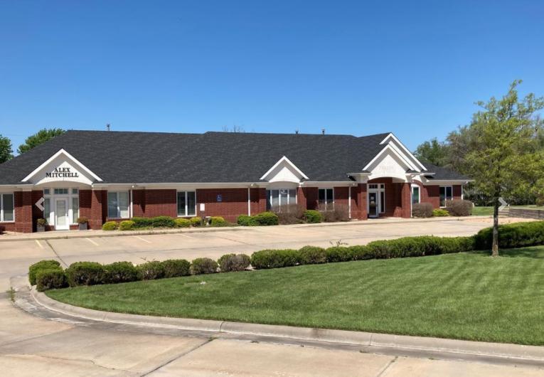 5838 West 21st Street Wichita, KS 67205 - main image