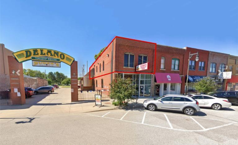 915 12 West Douglas Avenue Wichita, KS 67213 - main image