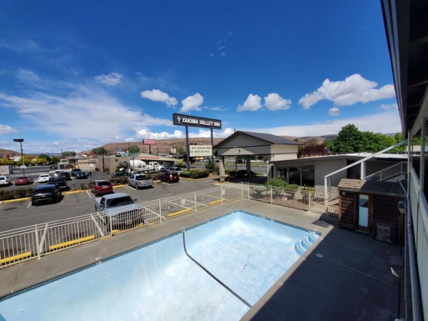 818 North 1st Street Yakima, WA 98901 - main image