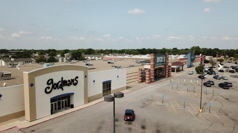 2057 North Rock Road Wichita, KS 67206 - alt image 2