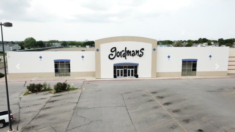 2057 North Rock Road Wichita, KS 67206 - main image