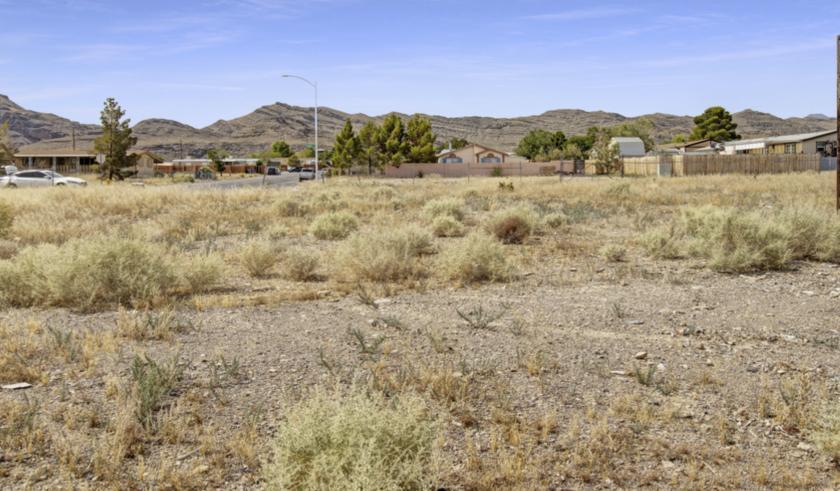 590 Fisher Lane Indian Springs, NV 89018 - alt image 3
