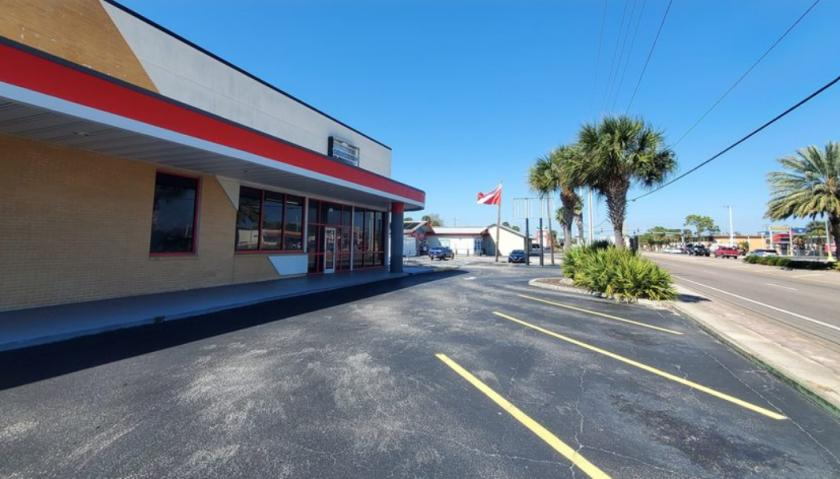 685 North Courtenay Parkway Merritt Island, FL 32953 - main image